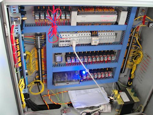 论述数控机床电气控制中控制电器的选用原理