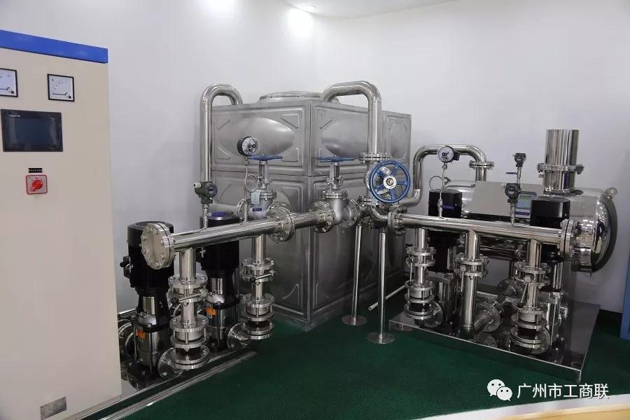 白云泵业集团产品展示厅一角