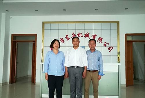 泰兴市东岳机械有限公司:小阀杆做出了大市场