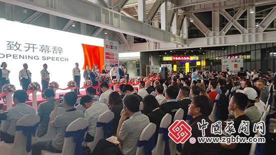 中华环保联合会副主席孙晓华先生在世环会开幕式上致词