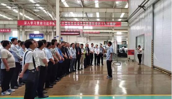"""""""陕西省青科协科技服务专家工作站""""在宝鸡机床集团揭牌成立"""