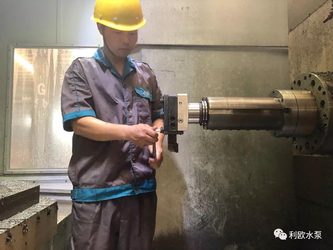 优秀镗工的练成:记湖南泵业机加车间镗工彭师傅