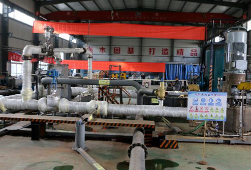 中铁十八局集团涿州水泵厂国内首台核电MSR450-60立式疏水泵实验室(付宝强 摄)