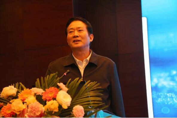 安徽省人大教科文卫副主任、科技厅原厅长徐根应先生作总结性发言