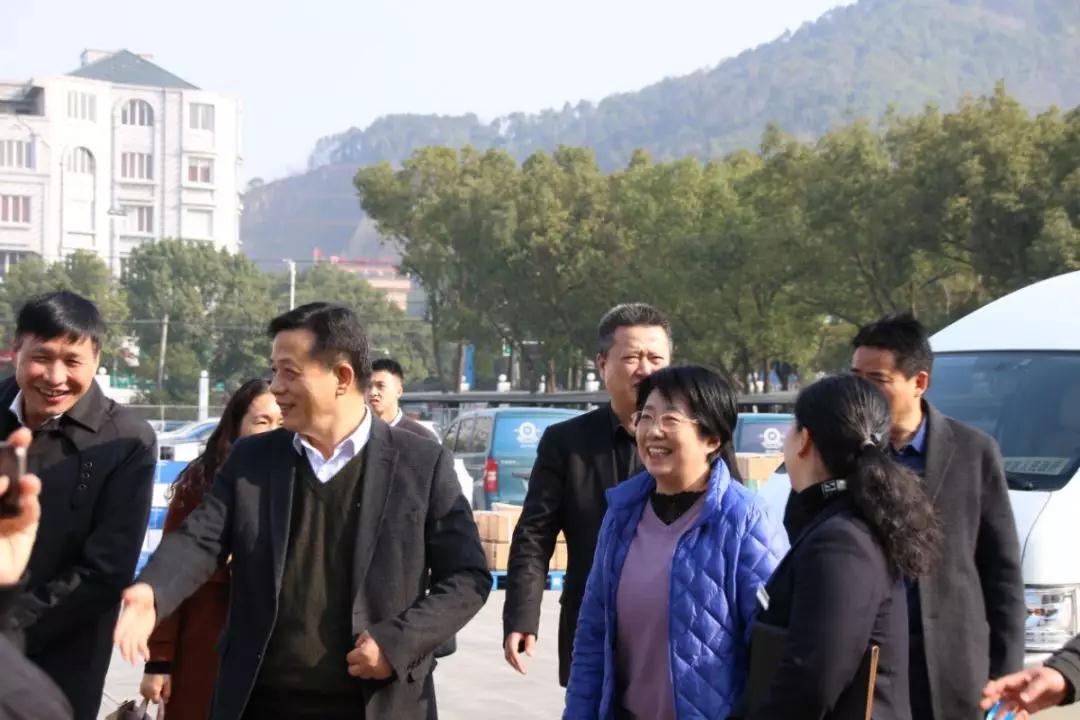 浙江省工会副主席张卫华女士一行来大元泵业慰问调研