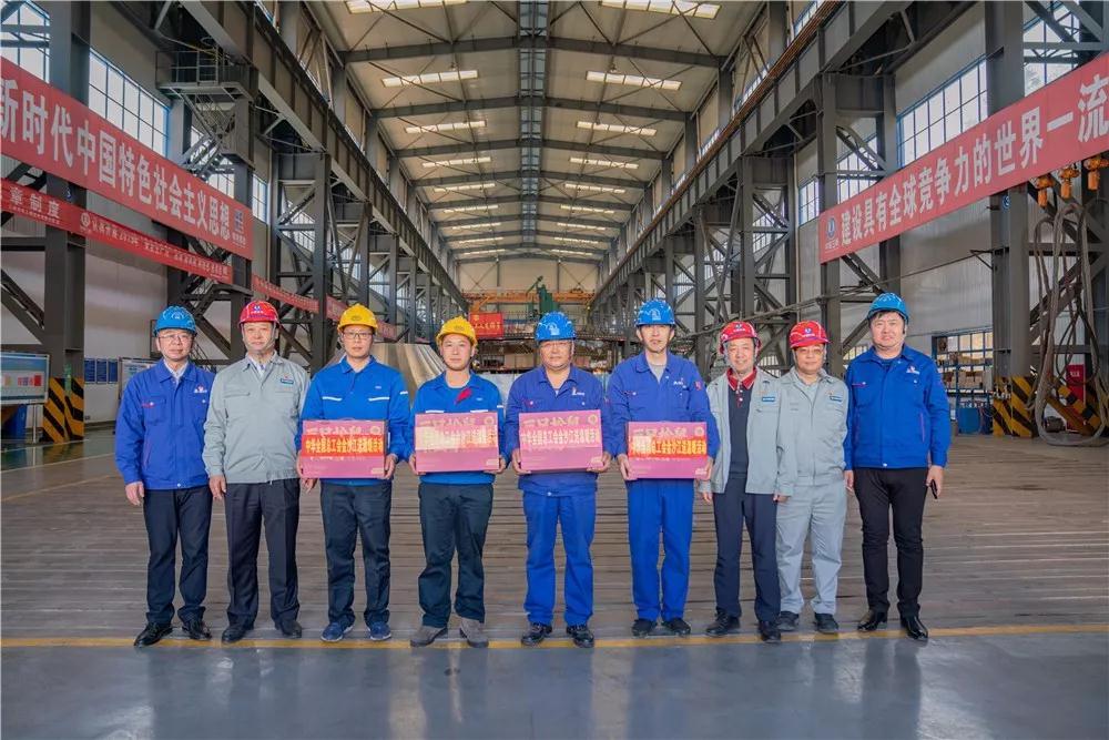 中华全国总工会慰问哈电电机白鹤滩转轮加工厂职工