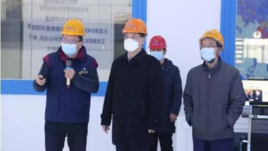 朱庆龙董事长介绍公司发展情况
