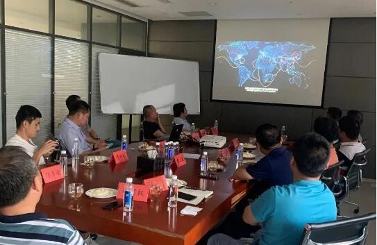 北阀总厂高层领导一行在江苏圣泰阀门有限公司观看宣传片