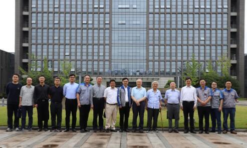 中国工程院李德群院士、专家一行莅临重庆机床集团考察调研
