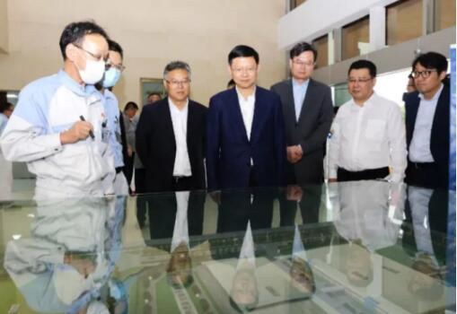 苏州市委副书记、市长李亚平莅临常熟恩斯克轴承有限公司参观走访