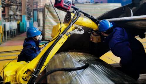 哈电集团攻克发电设备大型关键部件机器人焊接应用难题哈电集团攻克发电设备大型关键部件机器人焊接应用难题