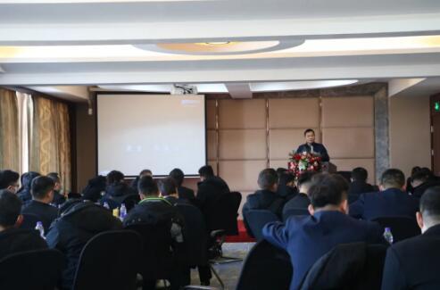 南元泵业总经理发表讲话