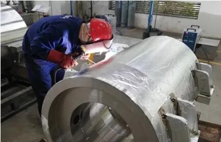 重慶水泵:容器車間搶抓急難任務