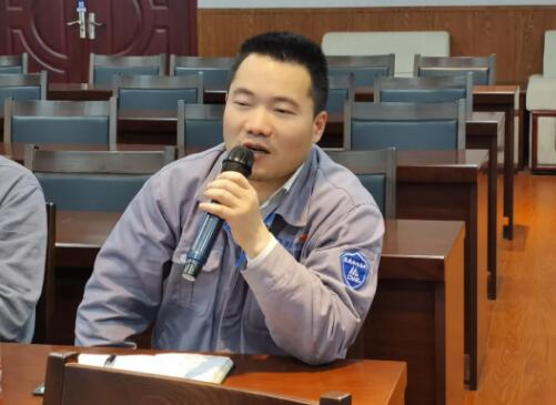 冷工室副主任王广发言