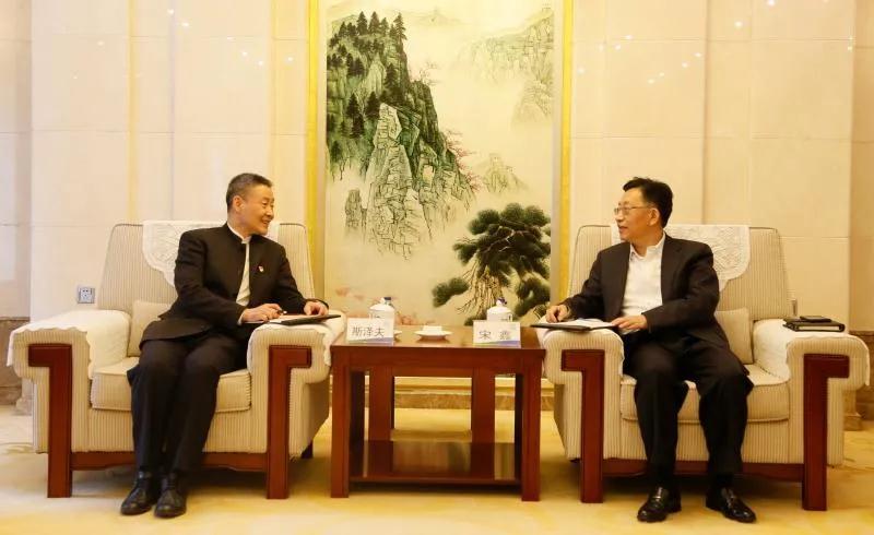 哈电集团:斯泽夫率队拜访中国节能