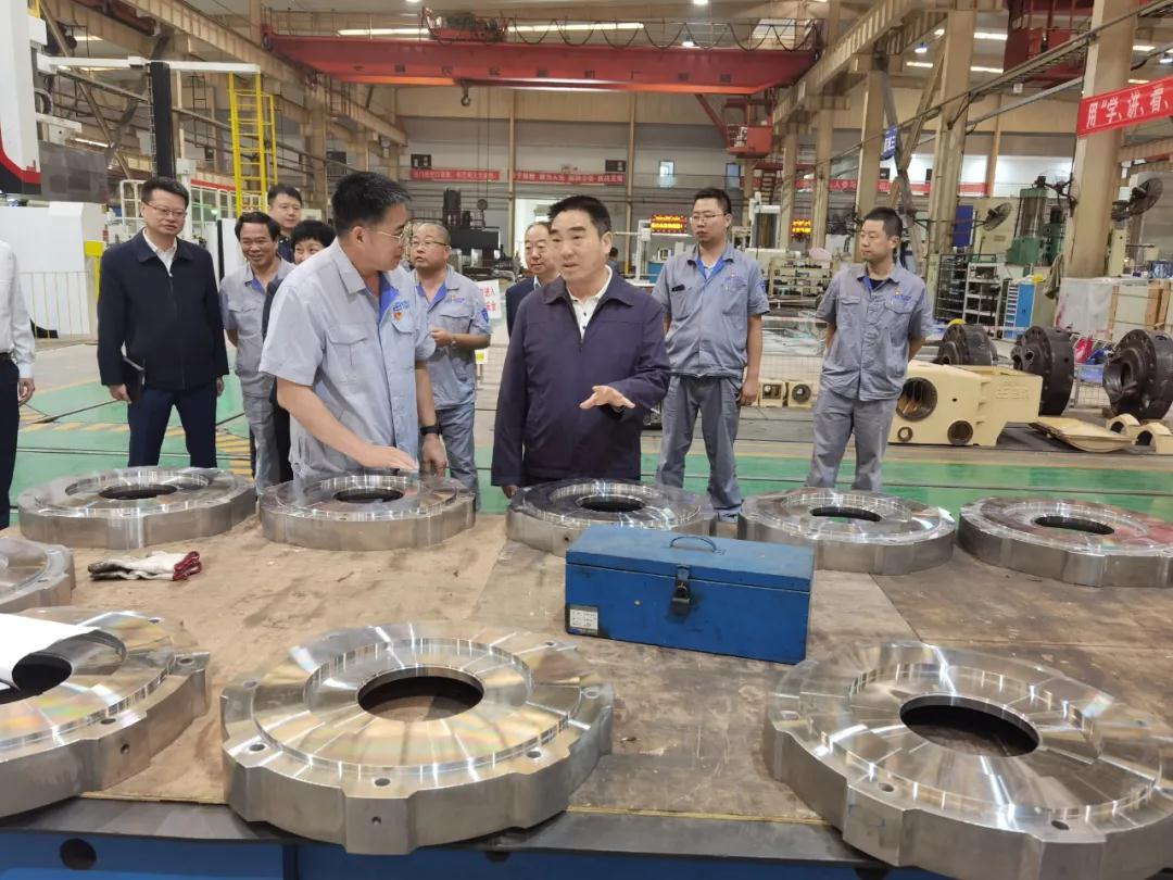 机电集团辛国荣到重庆水泵公司调研指导工作