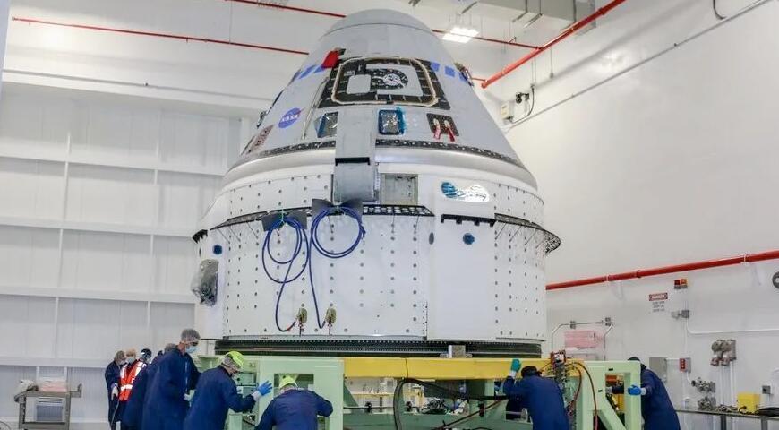 NASA和波音公司正在权衡整改OFT-2任务的各种选择,包括对服务舱进行小范围维修,以及替换新的服务舱。