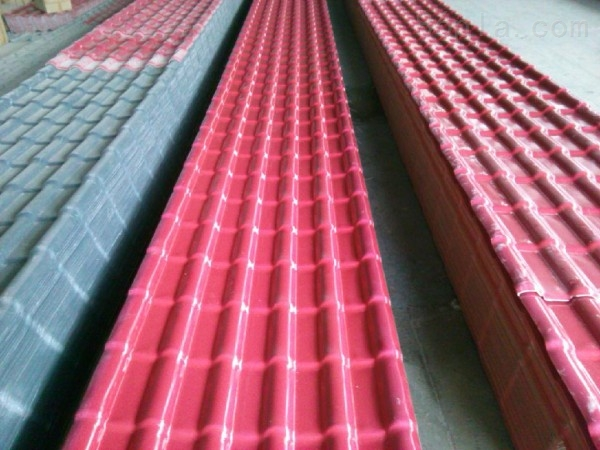 新型合成树脂琉璃瓦生产线设备