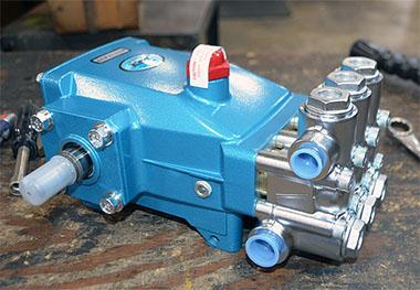 原装进口CAT柱塞泵/高压冲洗泵/往复泵