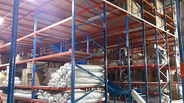 广东立柱式阁楼货架让你的仓库有更大的容量