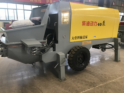 扬程60米 水平输送150米的40大骨料泵柴油动力版 混凝土输送泵