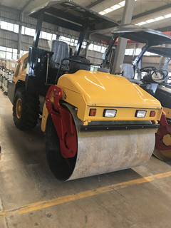 山东翔工3吨压路机双驱双震压路机