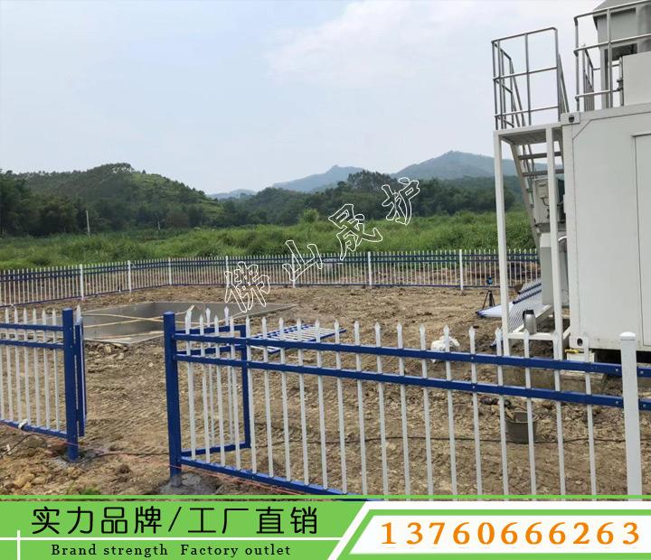 围墙护栏维修 锌钢围栏安装 海南小区铁艺栏杆图片