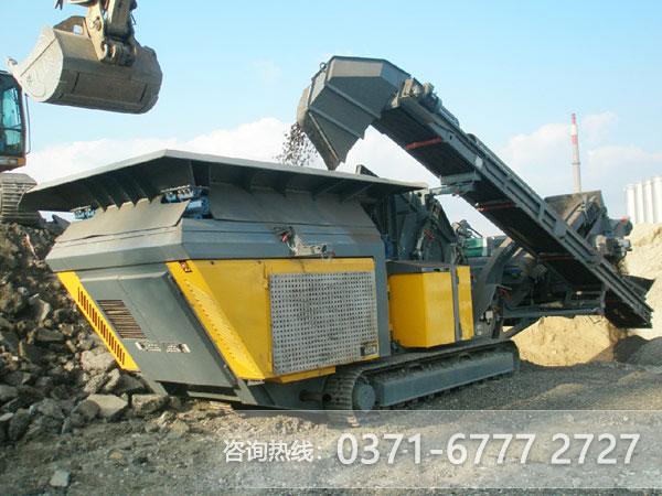 """砂场的""""网红"""",碎石界的新生代机器-移动碎石机"""