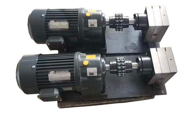 熔喷泵15128740750定做 25CC,30CC,厂家供应 熔喷泵 70CC计量泵 熔喷布泵