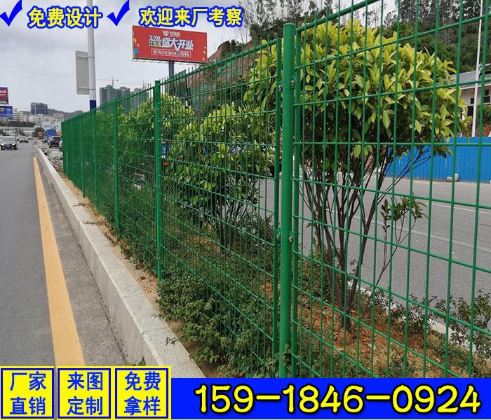 增城铁路两侧防爬护栏 生产高速公路防眩网 钢板铁丝网厂家