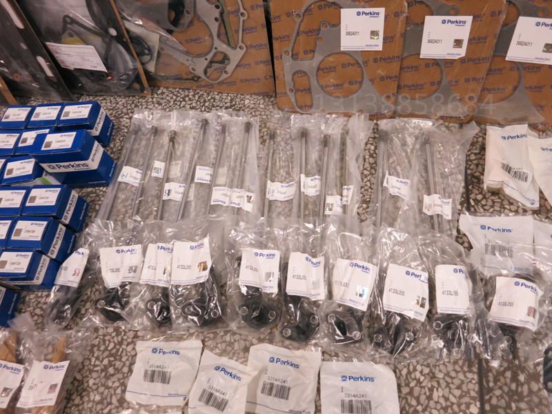 悍牛液压凿岩钻机HN100A HN120Perkins发动机配件