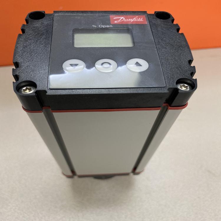丹弗斯牌ICAD600-027H1200驱动电机