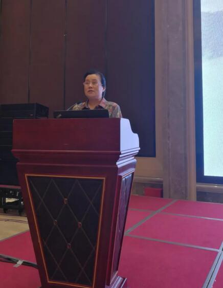 中国化工学会副理事长兼秘书长华炜主持开幕式